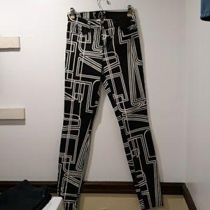 Black & White J Brand Super Skinny Pants